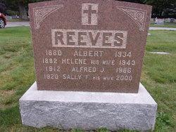 Helene Reeves Nude Photos 45