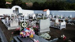 Cemitério de Urzelina