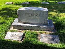 Elliot Straw