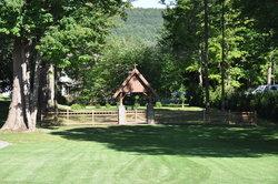 Saint Thomas' Memorial Garden