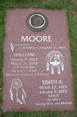 """William """"Bill"""" Moore, Sr"""