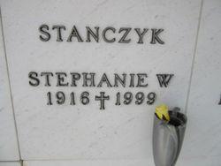 Stephanie W Stanczyk