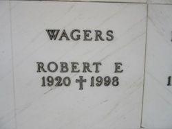 Robert E Wagers