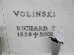 Richard T Volinski