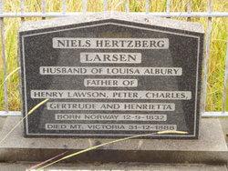 """Niels Hertzberg """"Peter"""" Larsen"""