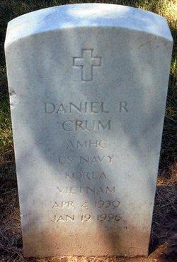 Daniel R Crum