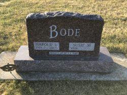 """Harold Voss """"Bud"""" Bode"""