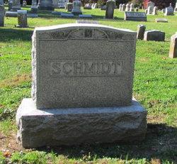 Emma L Schmidt