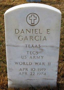 Daniel E Garcia