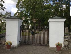 Simtuna Kyrkogård