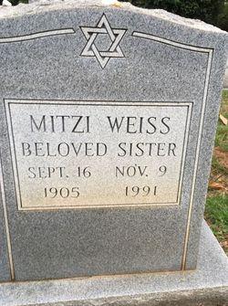 Mitzi Weiss