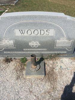 Hattie <I>Bagwell</I> Woods