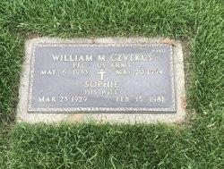 William M Czvekus