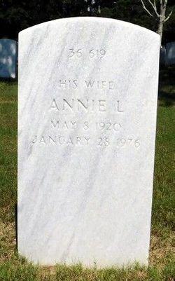 Annie L Smith