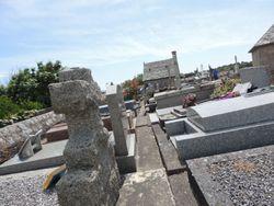 L'Eglise et le Mole Cemetery
