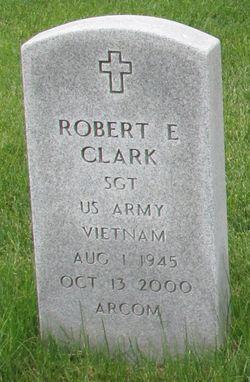 Robert Earl Clark