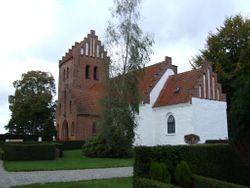 Osted Churchyard