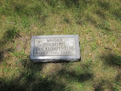 "Hendrikje ""Henrietta"" <I>Weurding</I> Van Klompenburg"