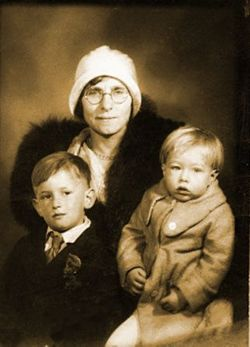 Julia Justyna <I>Zavacka</I> Warhola