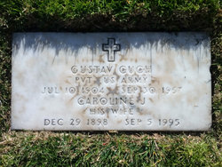 Caroline J Cuch