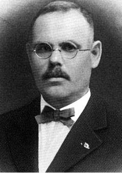 Dr Charles Newton Carraway