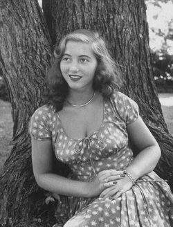 Frances Sophia De Viller <I>Brokaw</I> Corrias