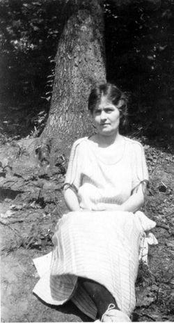 Charlotte Aloysius <I>McDade</I> Confer