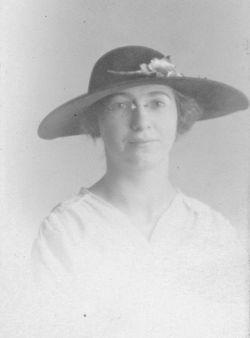 Bertha E <I>Becker</I> Carr