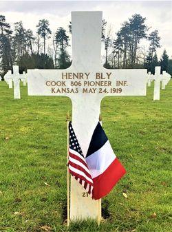 Pvt Henry Bly