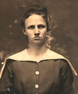 Betty Hale 1917 | Girl, Lady, Celebs